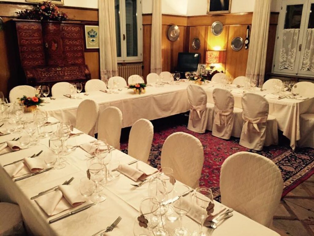 tavolo rettangolare 2 1024x769 - Catering für Hochzeiten