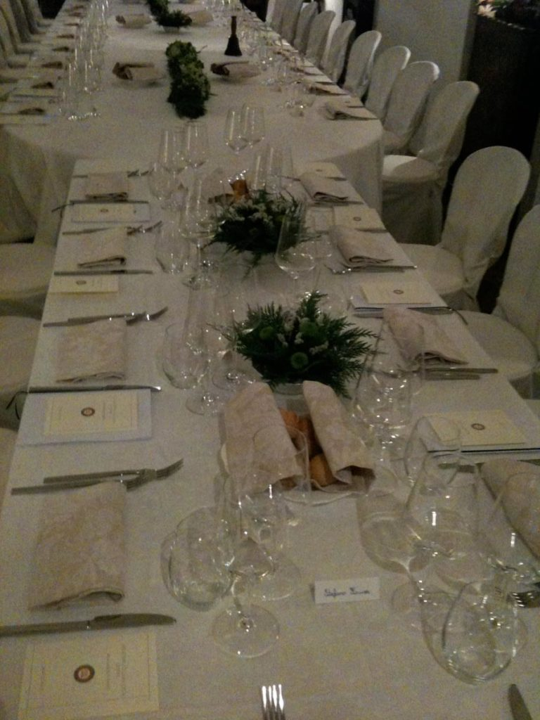 tavolo rettangolare 4 768x1024 - Catering für Hochzeiten