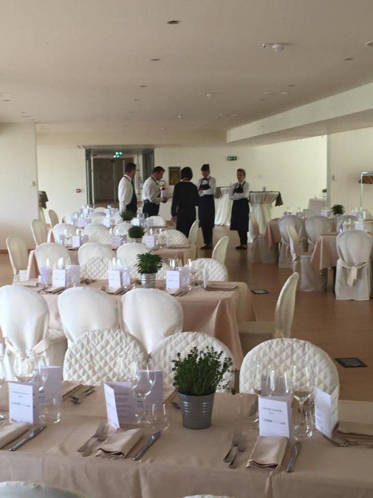 tavolo rettangolare 9 768x1024 - Catering für Hochzeiten