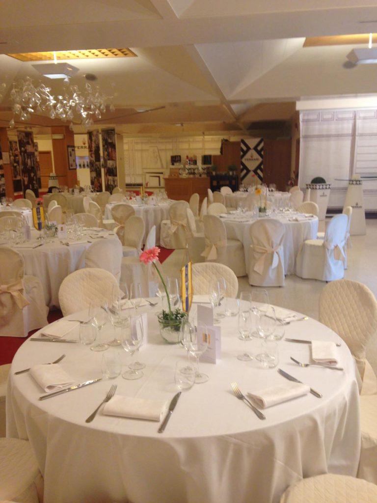 tavolo rotondo 8 768x1024 - Catering für Hochzeiten