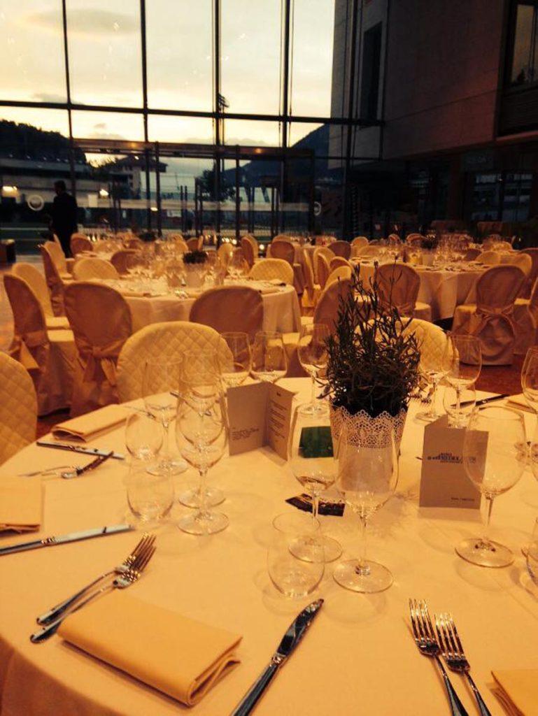 tavolo rotondo 9 769x1024 - Catering für Hochzeiten